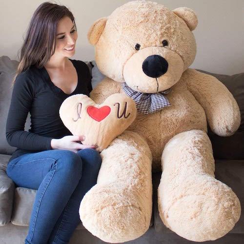 giant valentine's day teddy bear